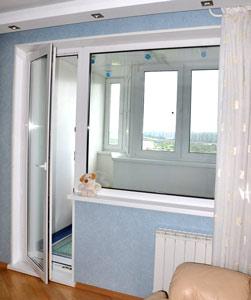 Пластиковая балконная дверь Казань